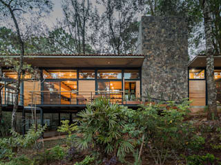 Saavedra Arquitectos Rumah Modern Parket Wood effect