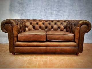 KAYROS ARQUITECTURA DISEÑO INTERIOR Living roomStools & chairs Brown