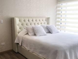 KAYROS ARQUITECTURA DISEÑO INTERIOR BedroomBeds & headboards White