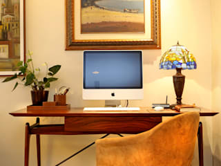 Ruang Studi/Kantor Modern Oleh Célia Orlandi por Ato em Arte Modern