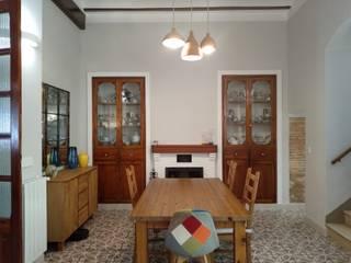 Proyecto y Reforma en Vivienda en Casco Antiguo de Anna Comedores de estilo rústico de Gestionarq, arquitectos en Xàtiva Rústico