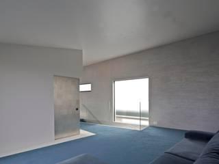 代々木上原:叔母、母、そして自らの家族の3世帯のための住まい モダンデザインの ダイニング の JWA,Jun Watanabe & Associates モダン 大理石