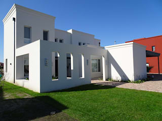 Estudio Dillon Terzaghi Arquitectura - Pilar Detached home Bricks White