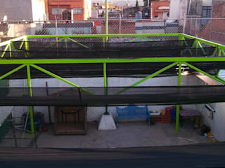 estructura con tela sombra Casas industriales de Cercas Reacer Industrial