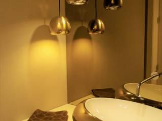 WC de serviço: Casas de banho  por Ci interior decor,Moderno