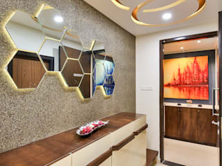 Luxurious home interior for 3BHK Song of joy Kharadi Modern corridor, hallway & stairs by AARAYISHH Modern