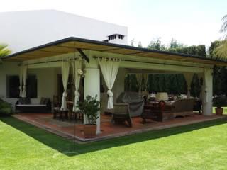 FAR920924JC0 Eclectic style balcony, veranda & terrace Bamboo White
