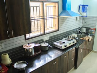 Modular Kitchen : modern  by Ajith interiors,Modern