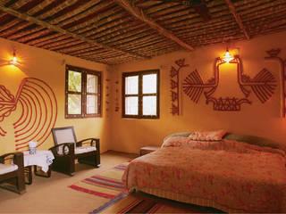 Kutchi Lippan Work, Beautiful Mud Mirror Wall Art, Attractive Wall Decoration Ideas, Mud Art Classic style walls & floors by City Trend Classic