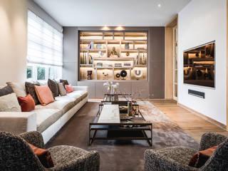 Urban Family Residence:  Woonkamer door Caren Pardovitch, Eclectisch