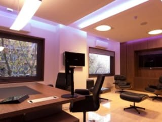Modern Study Room and Home Office by Domonova Soluciones Tecnológicas para tu vivienda en Madrid Modern