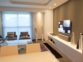 Domonova Soluciones Tecnológicas para tu vivienda en Madrid Salas de estar modernas