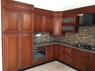 Classic Kitchen in Wood finish by Hoop Pine Hoop Pine Interior Concepts Kitchen units Solid Wood Brown