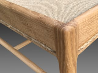 Lavenham coffee table - hessian and oak. Made to order by Perceval Designs di Perceval Designs Classico