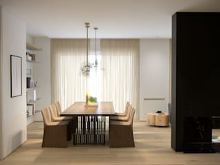 Permeabilità Sala da pranzo minimalista di marco tassiello architetto Minimalista