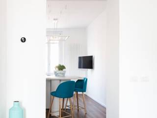 Cocinas equipadas de estilo  por GruppoTre Architetti, Minimalista