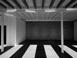 by CATALANOQUIEL Architekten Minimalist