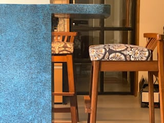 203, Mumbai:  Living room by insitu by kalakaarihaath,Classic