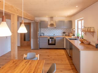 :  Kitchen by Heimatstyl GmbH & Co. KG, Country