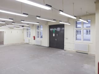 Espaces de bureaux modernes par _WERKSTATT FÜR UNBESCHAFFBARES - Innenarchitektur aus Berlin Moderne