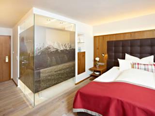 Moderne Hotels von Wedi GmbH Sucursal España Modern