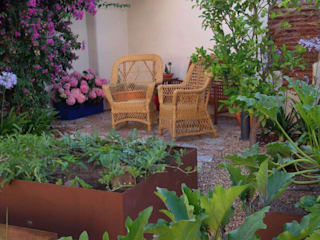 Eclectic style garden by Irati Proyectos Eclectic