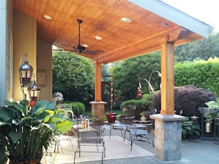 Quinchos Balcones y terrazas modernos de Constructora Arcus Limitada Moderno