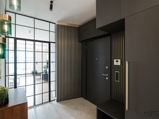Apartament w stylu nowojorskim Nowoczesny korytarz, przedpokój i schody od Monika Hardej Architekt Nowoczesny