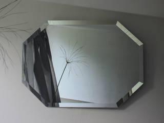 Modern classic faceted hallway bedroom bathroom living room wall fireplace mirror | ZOFFANO de ZOFFANO Clásico