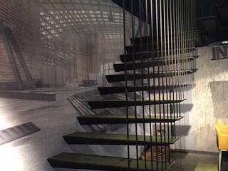 Pİ METAL TASARIM MERDİVEN – MAĞAZA MERDİVEN :  tarz Merdivenler, Modern