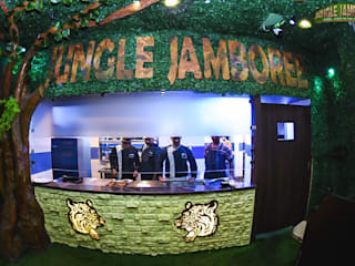 Jungle Jamboree Lajpat Nagar Rustic style hotels by Futomic Design Services Pvt. Ltd. Rustic