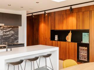 Modern style kitchen by Jolanda Knook interieurvormgeving Modern