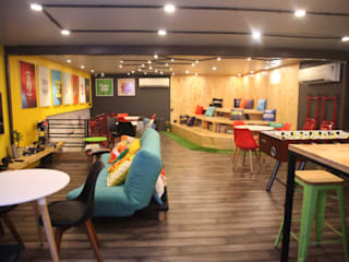 Innov8 MIDC:  Commercial Spaces by Dreamz Unwired,Modern