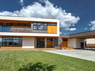 Country house by Роман Леонидов - Архитектурное бюро, Minimalist