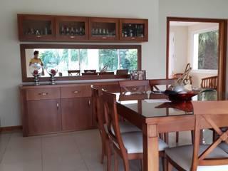 Diseño interior y diseño de mobiliario sala de estar comedor. Comedores modernos de Lucila Valeri Moderno