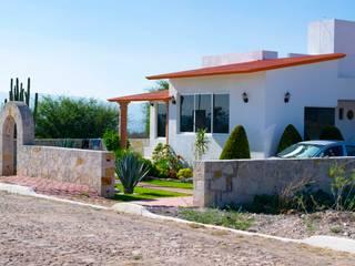 Casa Yextho FASETIK arquitectura Casas de campo Blanco