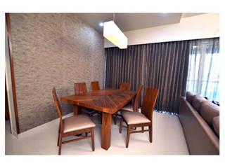 2BHK Gaurav and Seema | Balewadi, Pune | 2017 Minimalist dining room by Nikhil Kanthe Minimalist