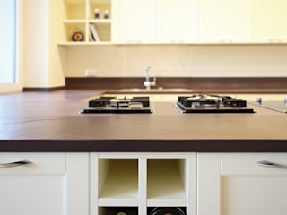 ANDREA'S KITCHEN Naturalmente Legno Srl Built-in kitchens