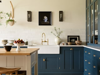 A Lincolnshire Hall by deVOL Dapur Klasik Oleh deVOL Kitchens Klasik