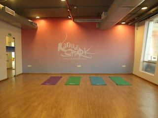 Creating Karma Spark :  Commercial Spaces by Dreamz Unwired,Minimalist