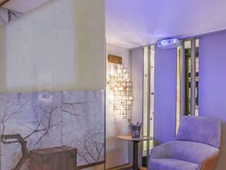 Suite de Casal: Salas multimídia  por ANDREA PINTO DE ALMEIDA ARQUITETURA E CONSTRUÇÃO,Moderno