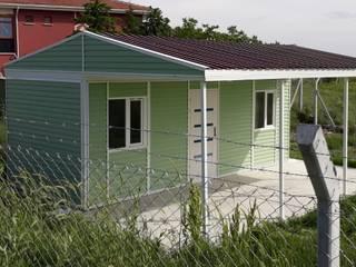 İ.B.K KONTEYNER&PREFABRİK – 1 ODA 1 SALON+MUTFAK/21m2 KONTEYNER+21m2 VERANDA/KALİTELİ SIFIR İMALAT/İ.B.K KONTEYNER&PREFABRİK:  tarz Bahçe, Modern