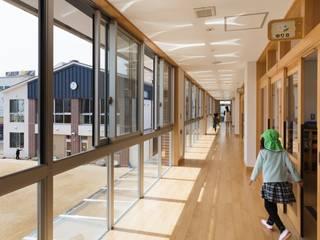 Escuelas de estilo  por FOMES design, Ecléctico