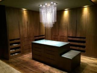Minimalist dressing room by TU ESPACIO -MUEBLES Minimalist