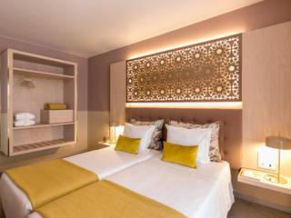 remodelação hotel Fátima: Quartos pequenos  por lmsn,Moderno