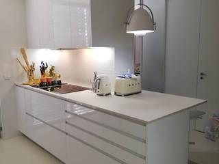 Projeto SJ - Maia Cozinhas modernas por Kitchen In Moderno