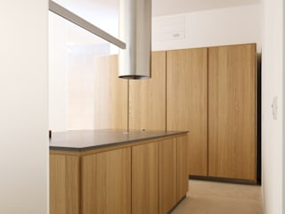 MINIMAL KITCHEN Naturalmente Legno Srl Built-in kitchens