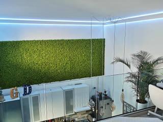 """Loft con illuminazione """"spaziale"""" a Milano. Cornice EL706 Studio moderno di Eleni Lighting Moderno"""