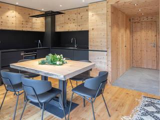BEARprogetti - Architetto Enrico Bellotti Ruang Makan Modern