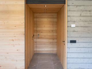 BEARprogetti - Architetto Enrico Bellotti Modern Corridor, Hallway and Staircase